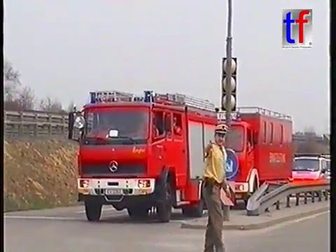 MASS RESPONDING to Plane Crash ( Drill ) / Flughafenübung Stuttgart, 2005.