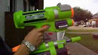 Super Soaker CPS Flash Flood, Let