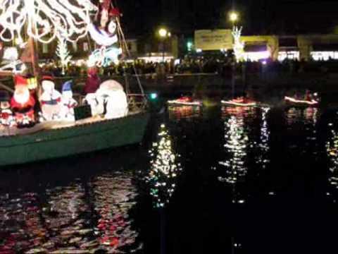 Annapolis Christmas Boat Parade - YouTube