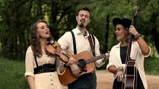 Southern Raised Sings Wayfaring Stranger