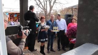 Жених Сорин приехал за невестой Викой