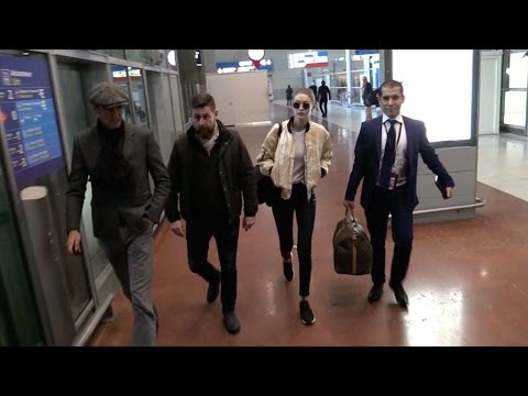 EXCLUSIVE: Gigi Hadid arriving in Paris for the 2016 Victoria Secret fashion show