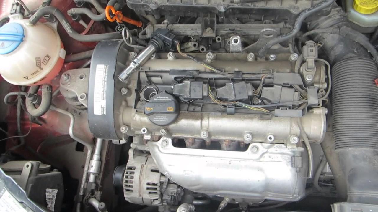 Шкода фабия ,skoda fabia,замена свечей,снимаем катушки зажигания,авто с двигателем1 . 4