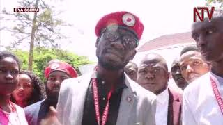 Bobi Wine asisinkanye abayizi mu yunivasite za Tanzania
