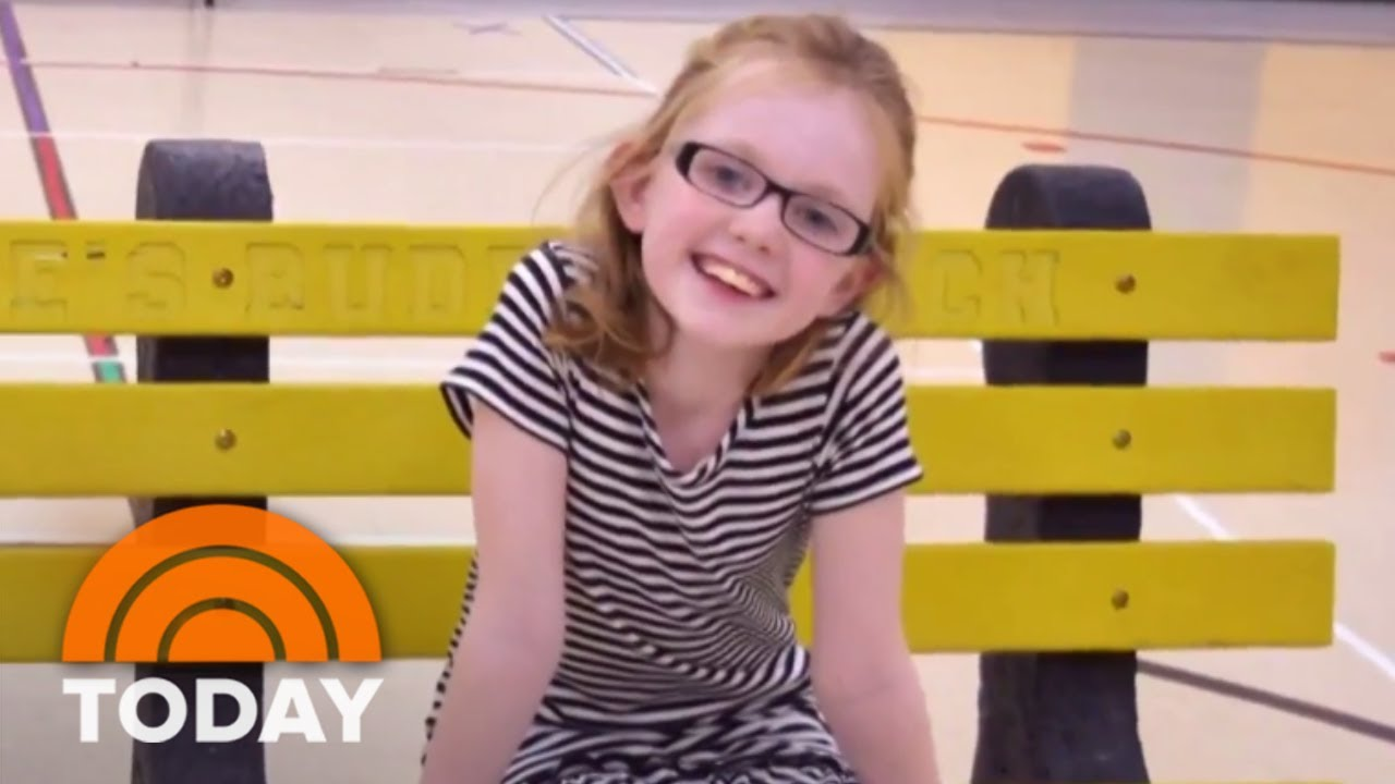 everyone-has-a-story-honors-woman-who-helped-put-buddy-benches-in-school-today