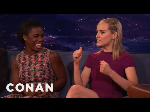 Taylor Schilling & Uzo Aduba's Crazy Fight