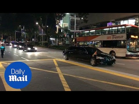 Kim Jong-un conducts night tour of Singapore on eve of summit - Daily Mail