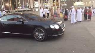 Suudi arabistan kralının sarayına gelen arabalar