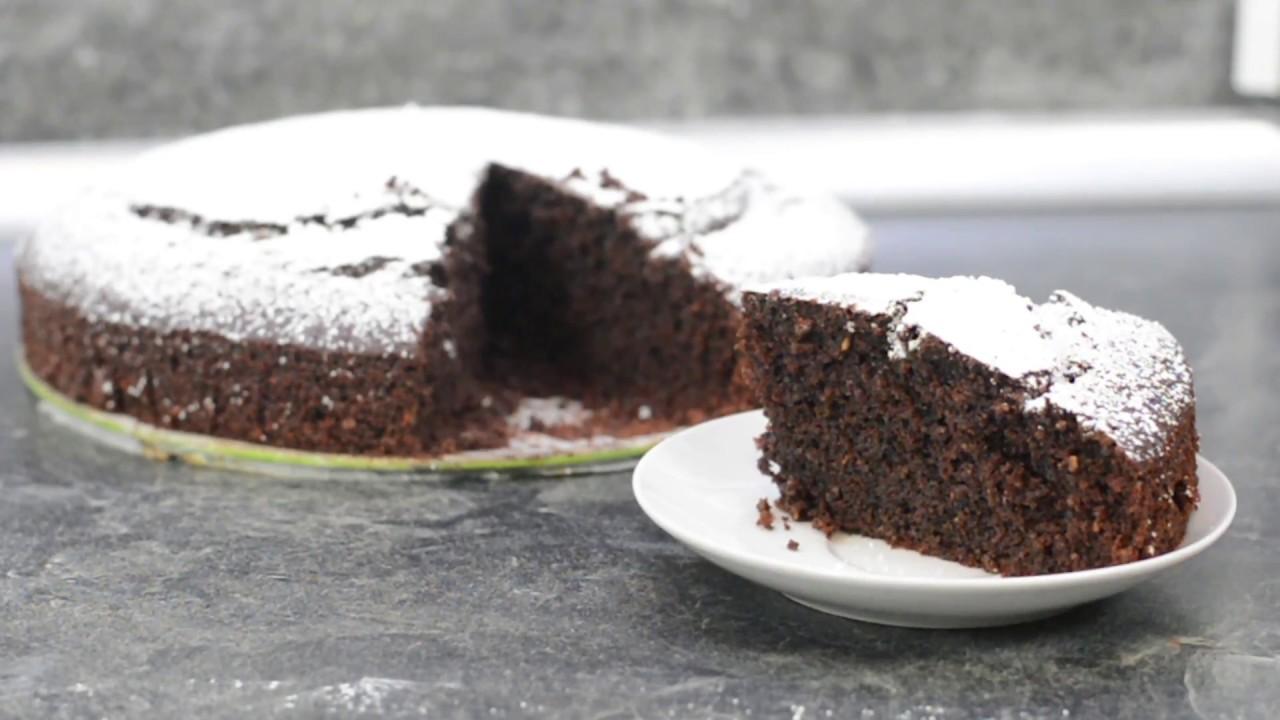 Der Fluffigste Und Saftigste Schokoladen Nuss Kuchen Chocolate Cake