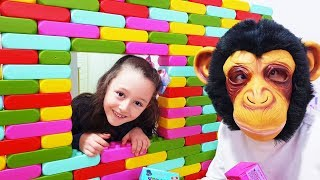 Öykü and Monkey play with colorful surprise magic box - Funny Oyuncak Avı