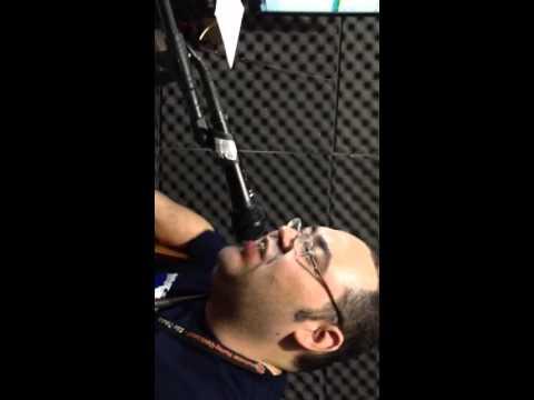 Um pedacinho da vigília na radio musical fm 105,7 Apóstolo William Andrade e Apóstola Marcia