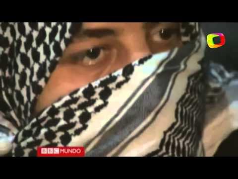 Rebeldes sirios muestran cómo fabrican sus bombas caseras