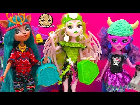 Brand Boo Students Isi Dawndancer, Kjersti Trollson, Batsy Claro Monster High Dolls Video