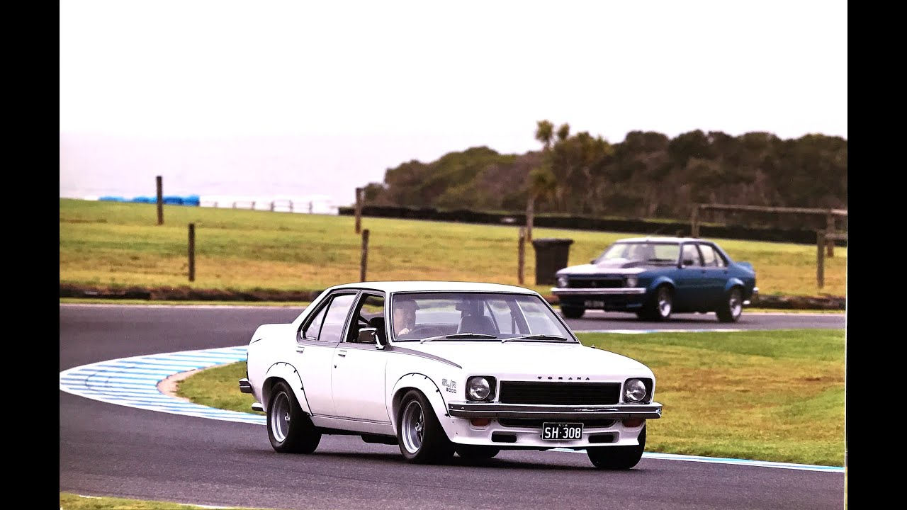Torana SLR/5000 at Phillip Island Festival of Motorsport 2020