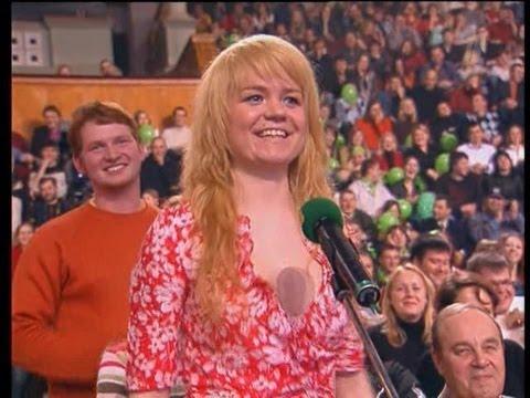 видео: КВН Знаменитая разминка с блондинкой. Полная версия