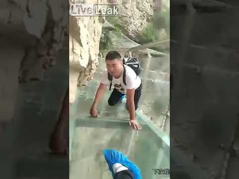 Eddie & Rocky - VIDEO: The Acrophobia at Zhangjiajie Glass Bridge