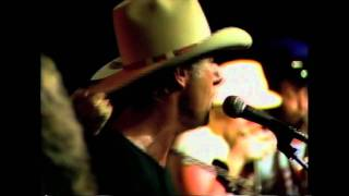 Jerry Jeff Walker and friends performing Hill Country Rain