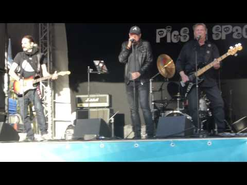 08. Pigs in space - Electric Eye/You've Got Another Thing Comin' - Stortorget Örebro - 4/6 2015