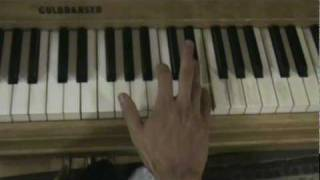 """How to Play """"Vanilla Twilight"""" by Owl City on the Piano"""