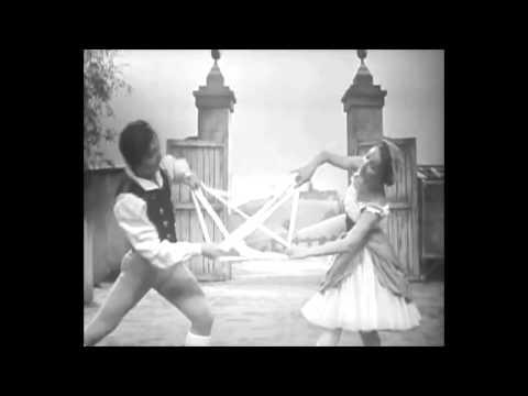 Nadia Nerina and David Blair - The Ribbon Dance ('La Fille Mal Gardée', 1962)