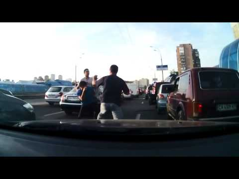 DASH CAM HD  Road Rage Bully Attacks The Wrong Two Drivers Mothers Saves The Day
