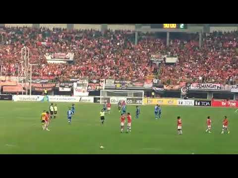 Merinding satu stadion!! Kami Satu Jiwa-Persija