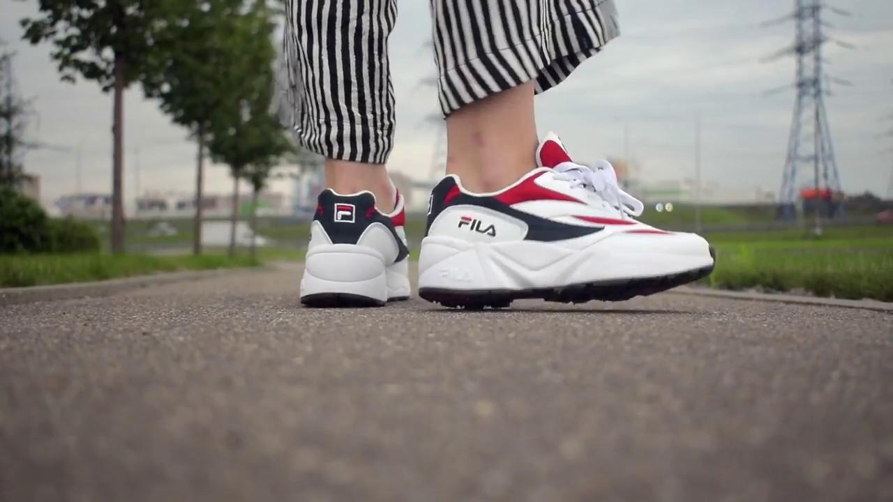 Видеообзор кроссовки Fila Venom White Red от магазина Filaoutlet.ru