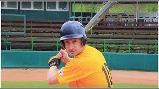 Moderator Mikolaš Tuček A Baseball