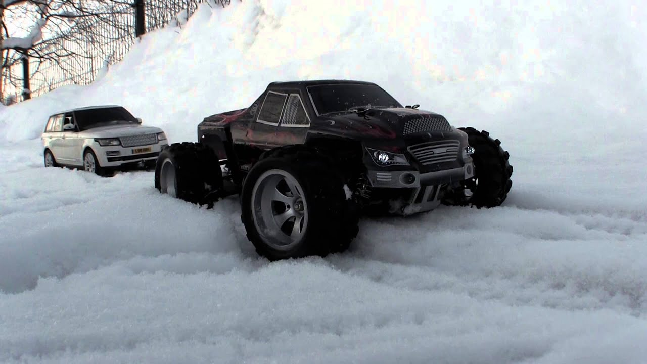 Crazy Range Rover snow Rescue with monstertruck