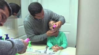 Como hacer que mi hijo se cepille los dientes. La limpieza dental evita la caries y la gingivitis.