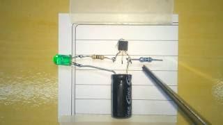 Como fazer  LED Pisca Pisca (Alarme carro falso) / how to make simple flasher LED (false alarm car)