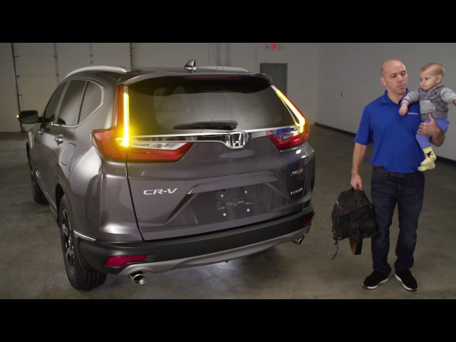2017 Honda CR-V Tips & Tricks: Hands-Free Auto Liftgate