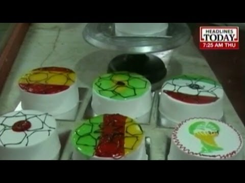 Football World Cup fever grips India: WC themed cakes