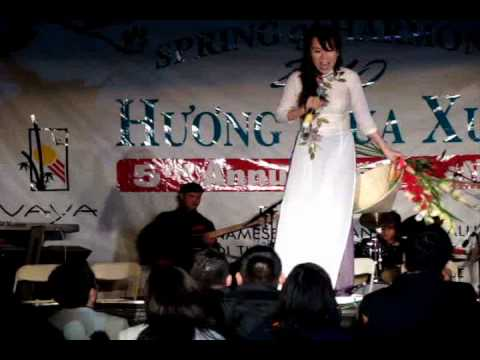 Justin Nguyen, Philip Huy, & Mai Thien Van LIVE @ San Diego Tet Festival 2010