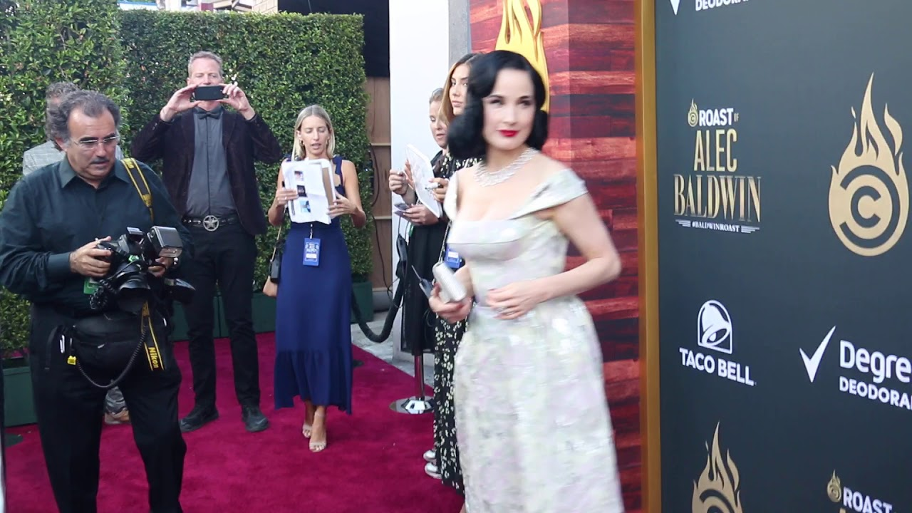 Dita Von Teese At Comedy Central Roast Of Alec Baldwin In Beverly Hills