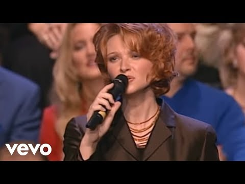 Charlotte Ritchie, Kim Hopper, Ladye Love Smith - Go Rest High On That Mountain [Live]