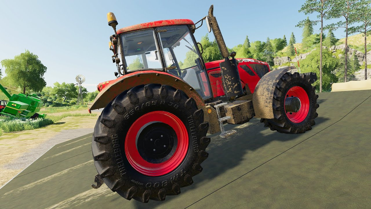 Agricultural Vehicles Parked On The Platform - Tractors, Truck & Little Pickup Truck | Lots Animals