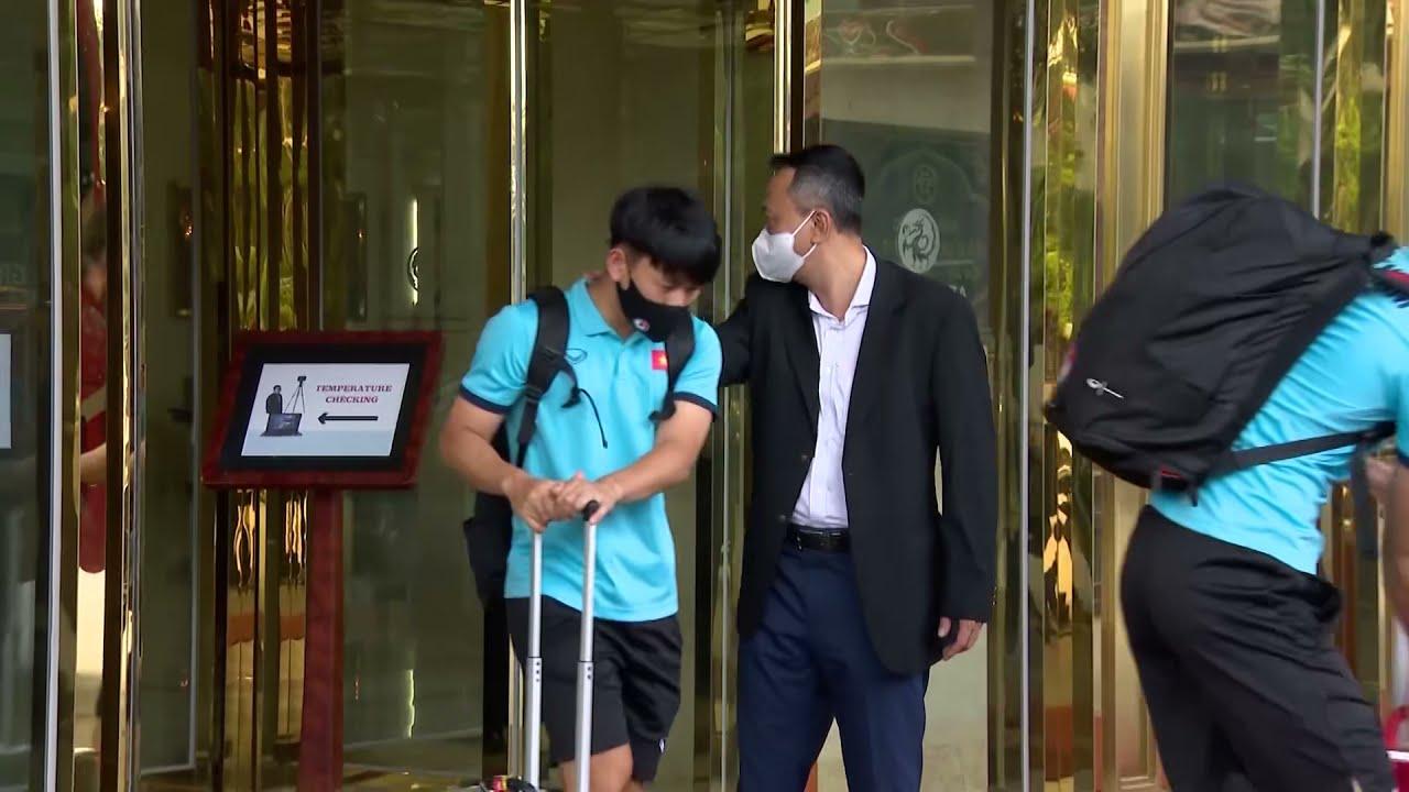Những khoảnh khắc của đội tuyển Việt Nam trước giờ bay sang UAE