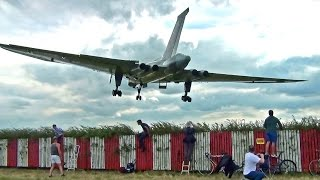 Thunderous Vulcan Bomber XH558 At Waddington Airshow 2014.