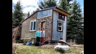 Video Tiny House Built From Reclaimed/Upcycled Materials download MP3, 3GP, MP4, WEBM, AVI, FLV April 2018