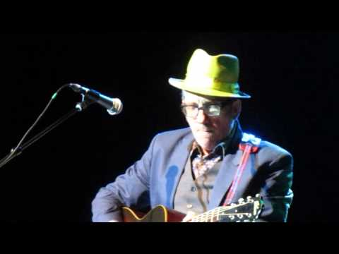 Elvis Costello -