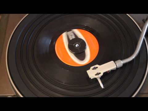 THE SHIRELLES - LOVE IS A SWINGIN; THING - 45RPM - GIRL GROUP