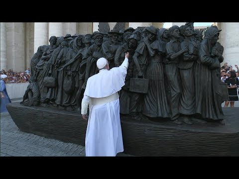 New grand sculpture with emigrant unveiled in St. Peter's Square by Pope Francis