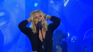 "Miranda Lambert sings new song ""Vice"" live at The Greek Theatre"