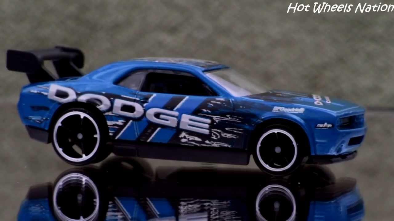 Color Changing Hot Wheels Dodge Challenger Drift Car 2011