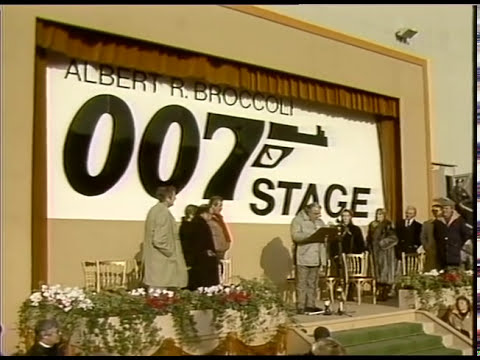 James Bond A View To A Kill Film Set Featuring Roger Moore | Bond Girl Fiona Fullerton Overview