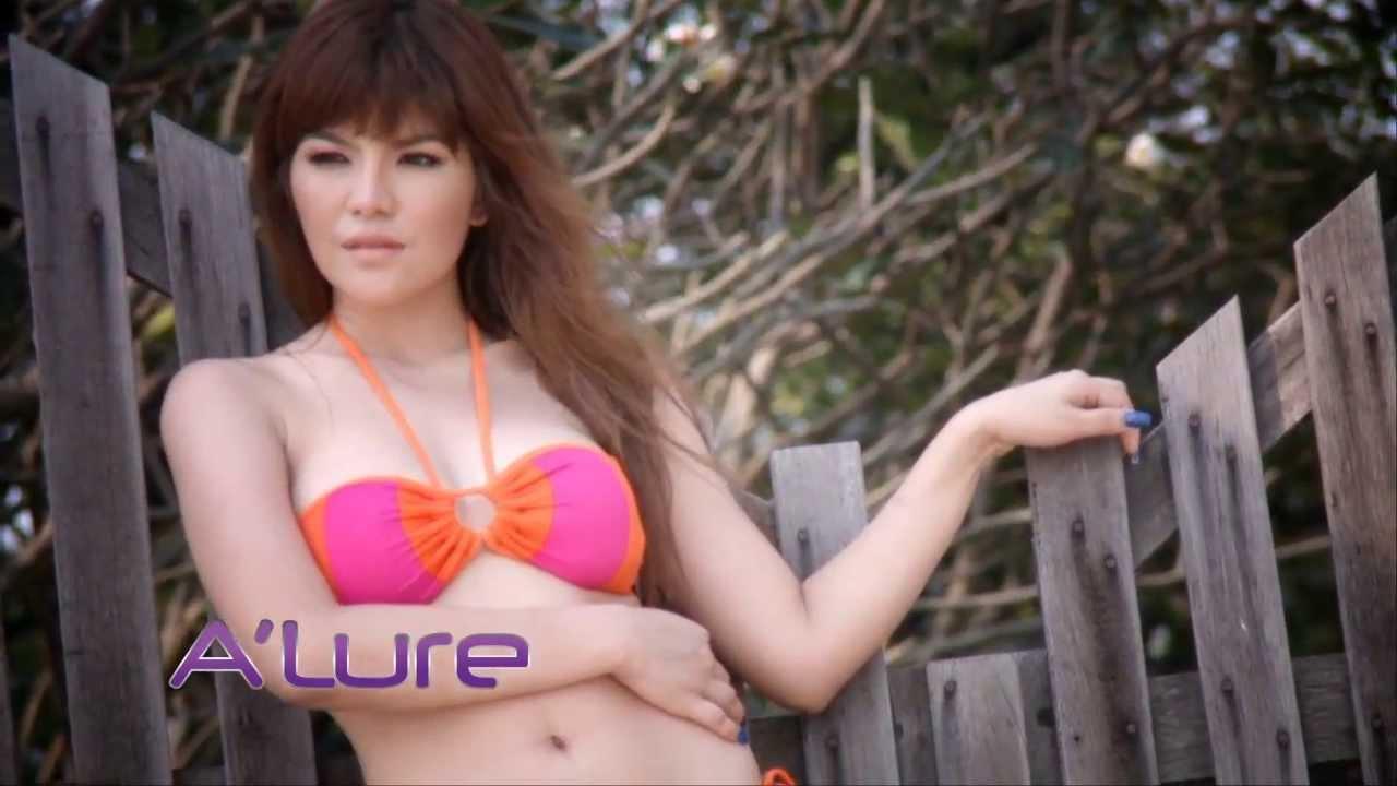 Eva Longoria on a Nude Beach! (TMZ Live)