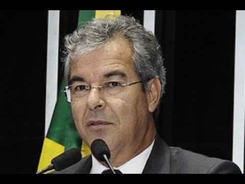 Jorge Viana homenageia cidade de Xapuri e comenta 'crise institucional' no STF