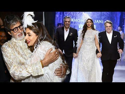 Amitabh Bachchan's Daughter Shweta Nanda Walks The Ramp For First Time