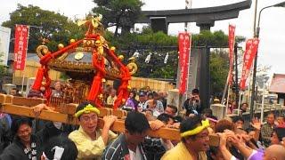 28年 小右衛門稲荷神社  祭礼  神輿宮出後 協力団体町内渡御始まり。
